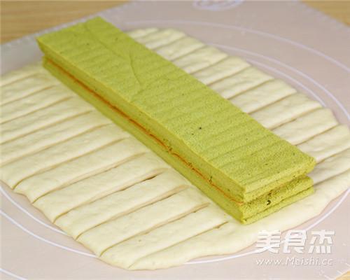 抹茶蛋糕夹心面包的步骤