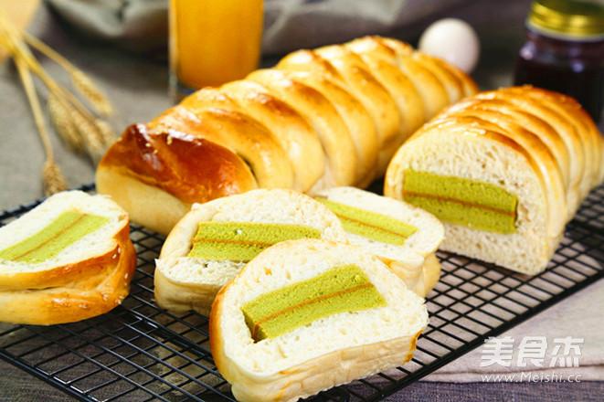 抹茶蛋糕夹心面包成品图