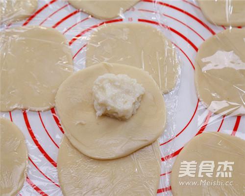 传统经典美食老婆饼的制作方法