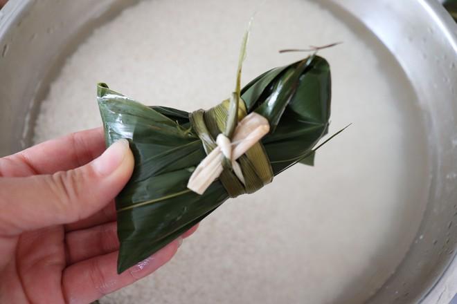咸蛋黄肉粽&传统红枣粽怎样做