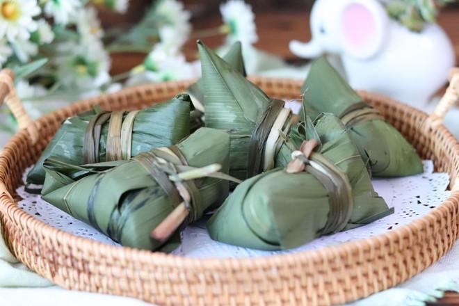 咸蛋黄肉粽&传统红枣粽的制作方法