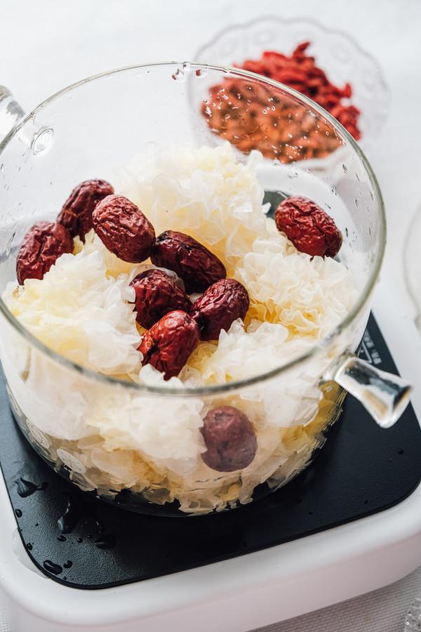 喝出好气色的红枣银耳羹的简单做法
