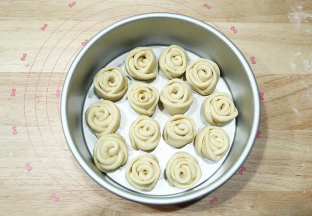 高颜值又好吃   玫瑰花挤挤面包怎样做