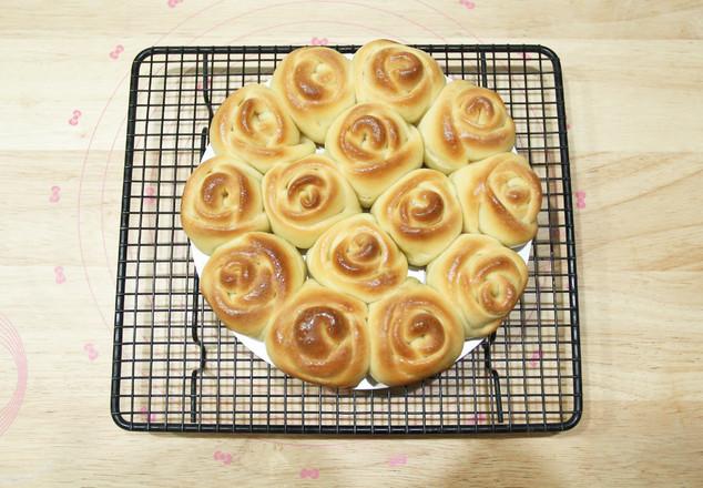 高颜值又好吃   玫瑰花挤挤面包怎样炖