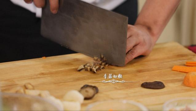 浓汤松茸石榴鸡的简单做法