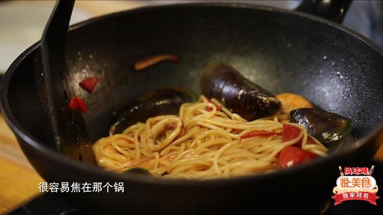 悦美食-海鲜意面怎么吃