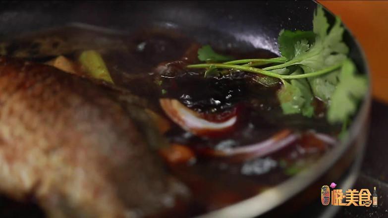鲫鱼包羊肉的制作方法