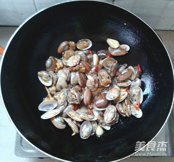香菜爆花蛤怎么煮