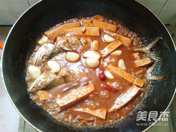 酱焖鲅鱼豆腐怎样煮