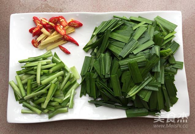 韭菜炒河虾的简单做法