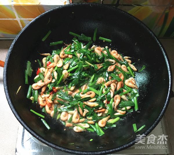 韭菜炒河虾怎样做
