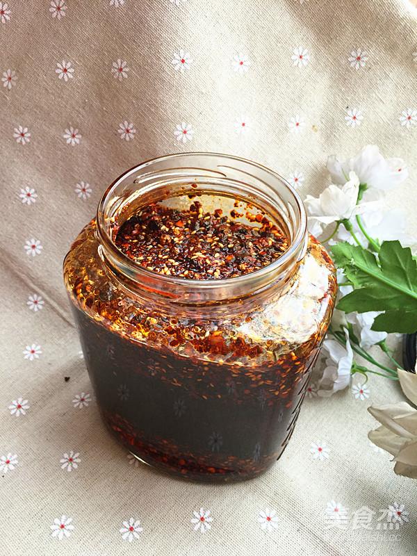 精炼辣椒油成品图