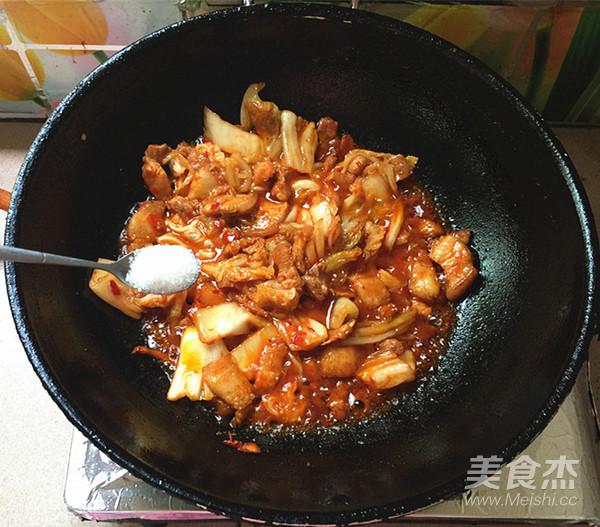 五花肉炒辣白菜盖饭怎样煸