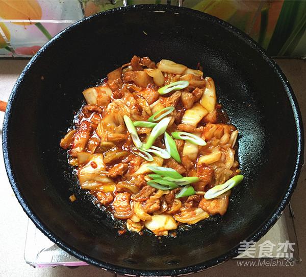 五花肉炒辣白菜盖饭怎样做