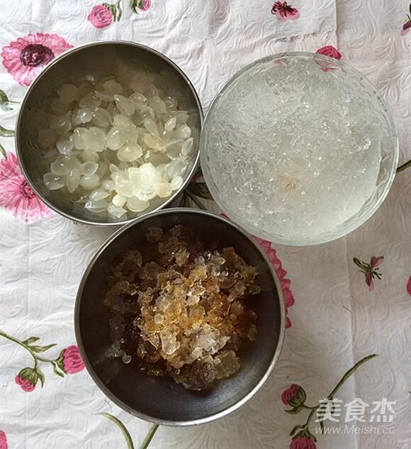 雪梨桃胶雪燕养颜汤的家常做法