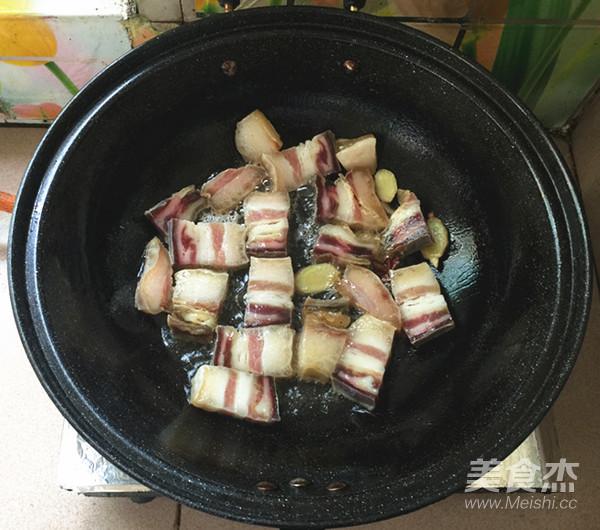红皮萝卜焖腊猪腿肉怎么做