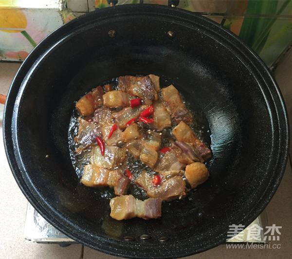 红皮萝卜焖腊猪腿肉怎么炒