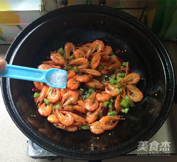 麻辣干锅虾怎么煸