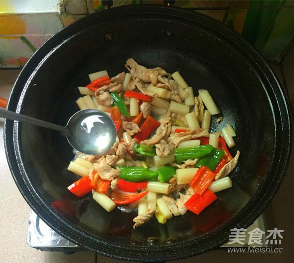 肉片炒泡椒藕带怎么煸
