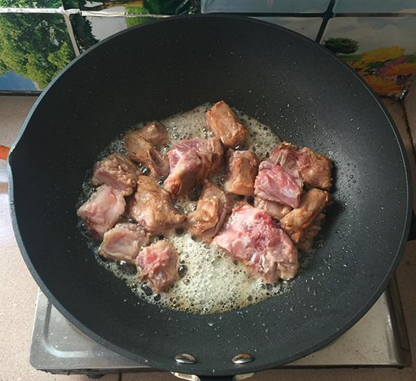 油豆角焖排骨怎么煮