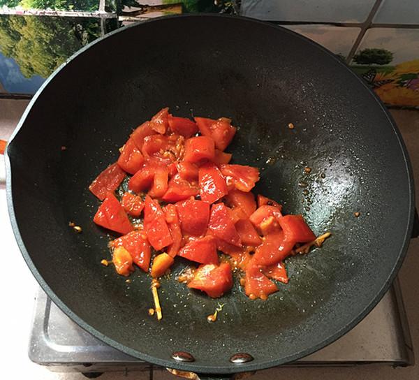 酸汤金针菇肥牛卷怎么煮