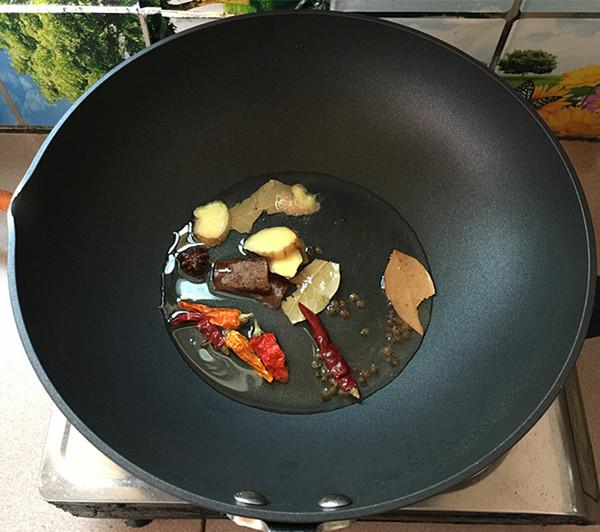 麻辣羊肉焖锅怎么炒