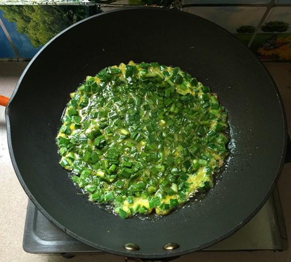 韭菜鸡蛋炒磷虾怎样做