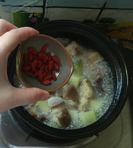 萝卜炖腊猪蹄肉的步骤