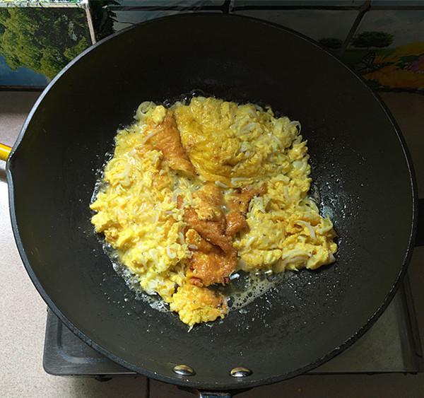 银鱼煎蛋怎样做