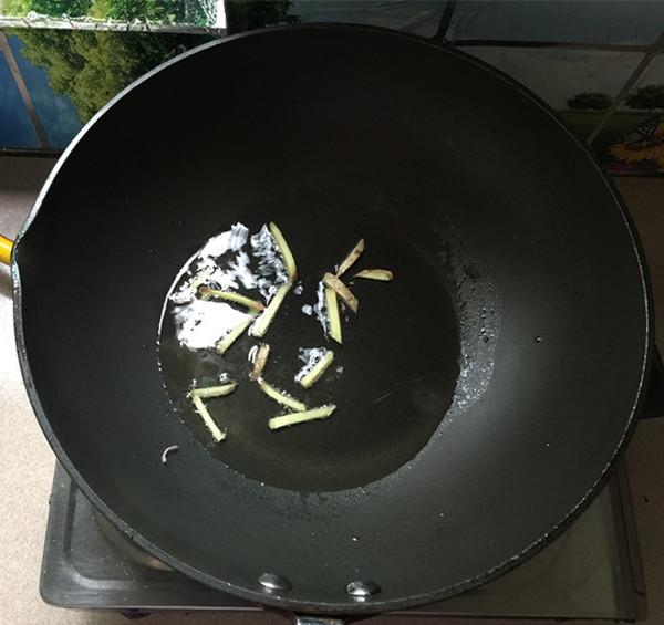 腊肉炒土豆片的简单做法