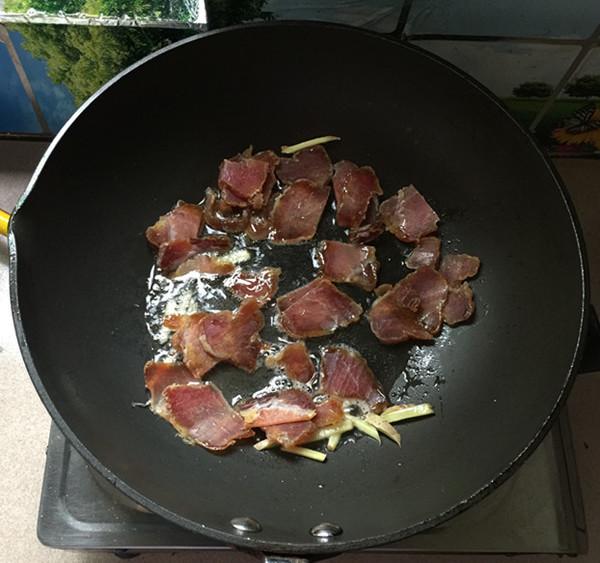 腊肉炒土豆片怎么吃