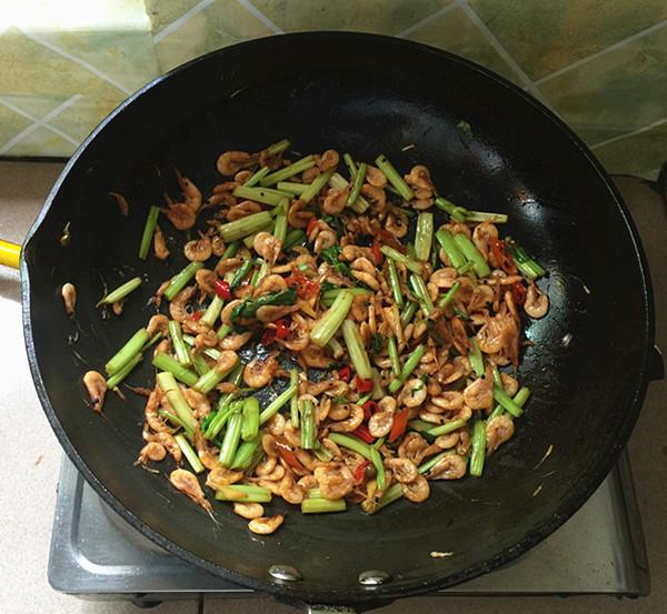 芹菜干煸虾怎样煮
