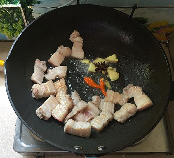 油豆角焖烧五花肉怎么炒