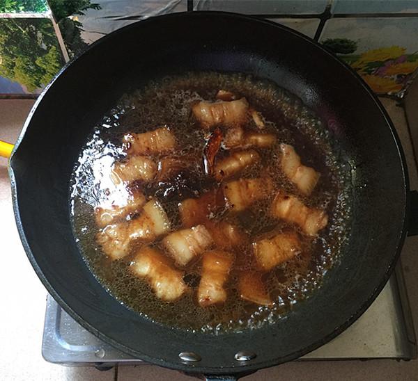 油豆角焖烧五花肉怎样煸