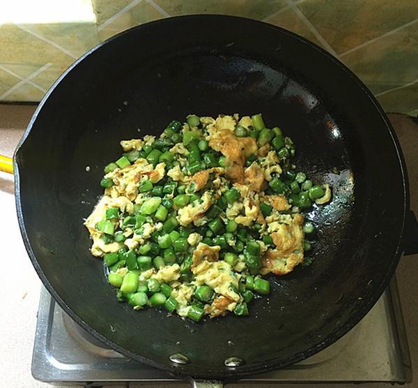 芦笋煎鸡蛋怎样炒