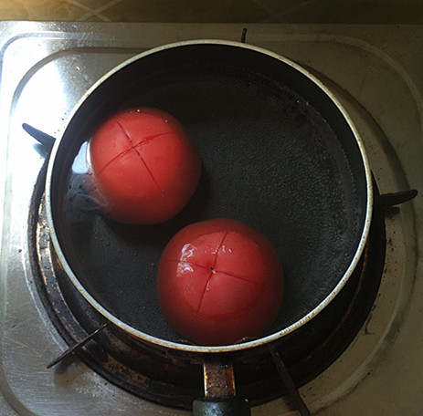 西红柿烧排骨怎么吃