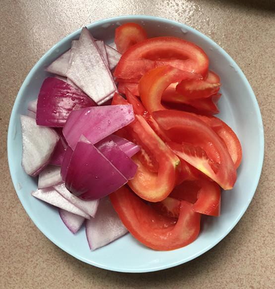 西红柿炖牛腩怎样煸