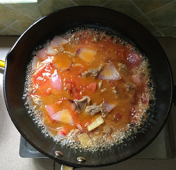 西红柿炖牛腩的制作