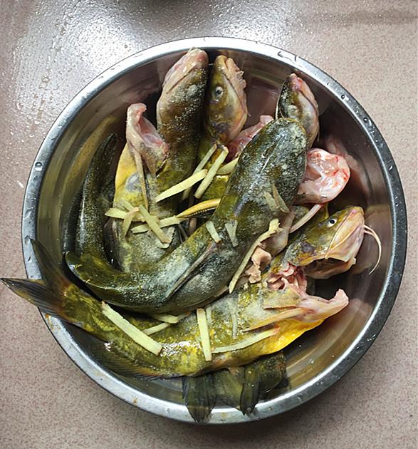 紫苏黄骨鱼汤的家常做法