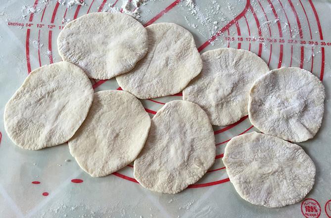 小白菜粉条腊肠包#早餐#的做法大全