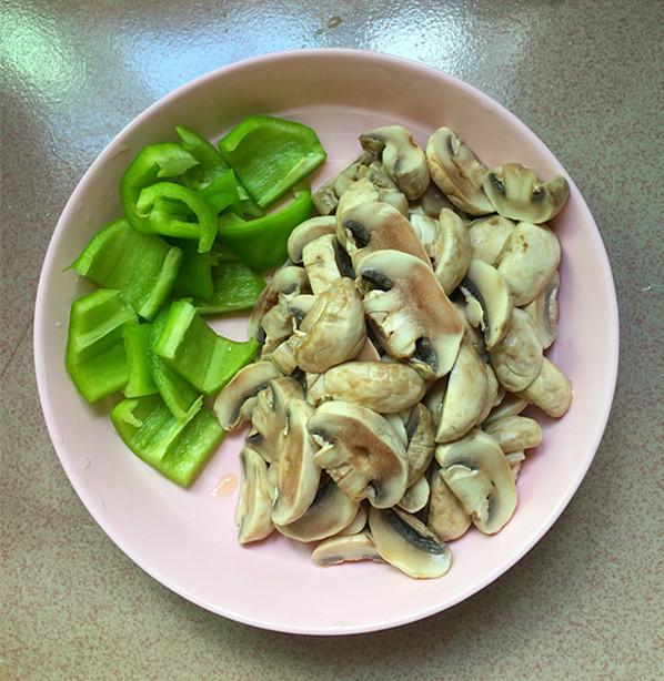 口蘑炒牛肉#午餐#怎么吃