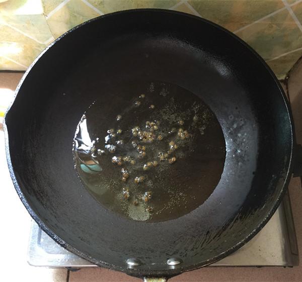 沙拉汁豆角的步骤