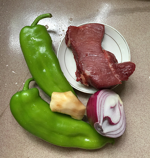 手撕青椒炒牛肉的做法大全