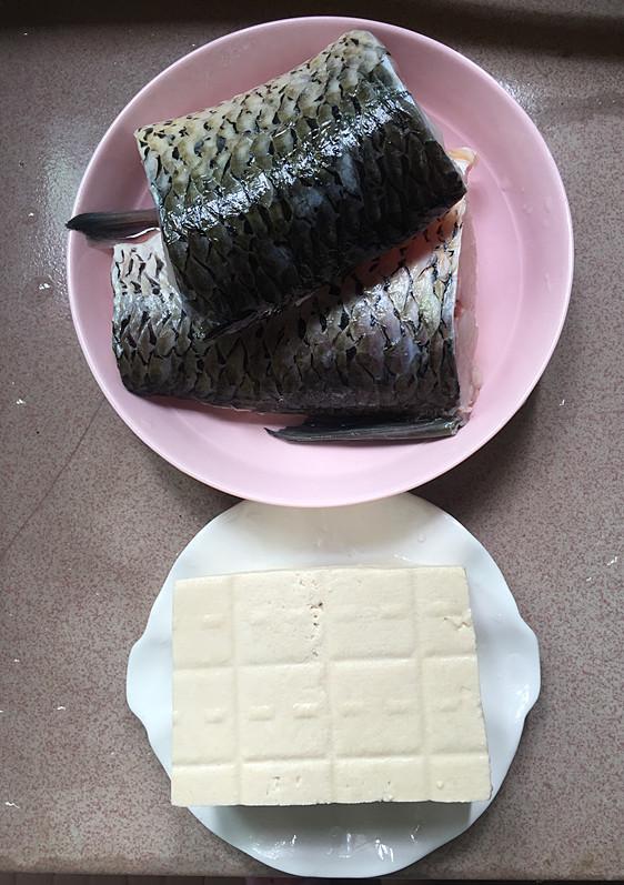 泡椒酸汤豆腐煮鱼的做法大全