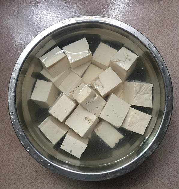 泡椒酸汤豆腐煮鱼怎么炒