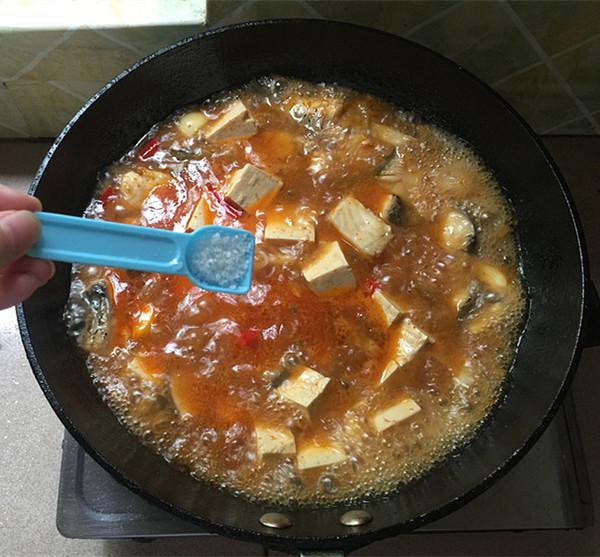 泡椒酸汤豆腐煮鱼怎样炒