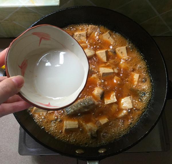 泡椒酸汤豆腐煮鱼怎样煮