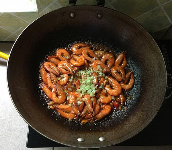酱烧虾怎样煸