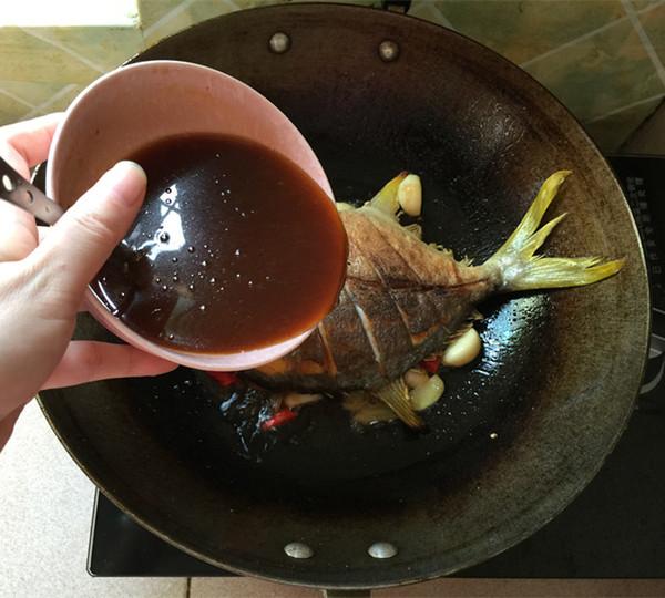黄豆酱烧鲳鱼怎么炖