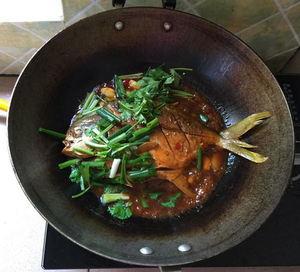 黄豆酱烧鲳鱼怎样炒